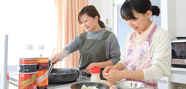 料理を作り