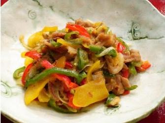 豚肉とカラフルピーマンの 味噌キンピラ