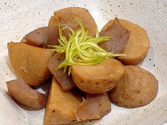 里芋とこんにゃくの 煮っころがし