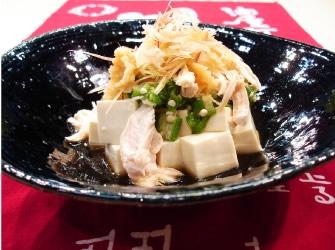 鶏ササ身と豆腐のサラダ