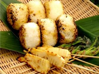 焼きおにぎりと山菜の 味噌焼き